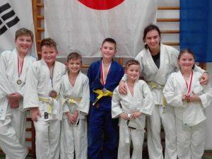 2016_11-judo-karunacup